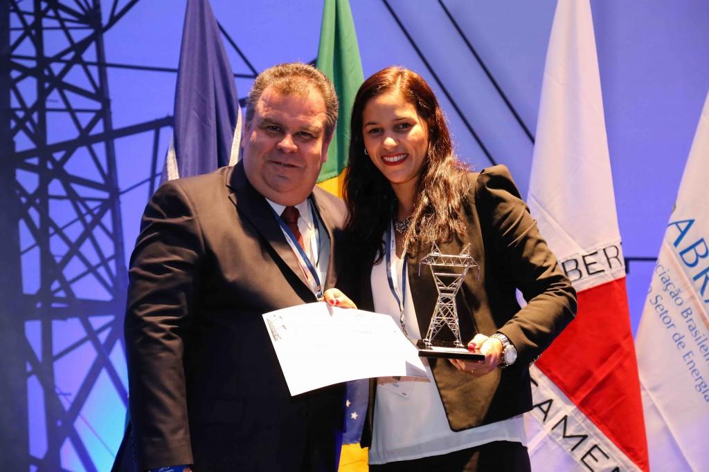http://www.abraconee.com.br/wp-content/uploads/2015/12/Premio-Light-Melhor-Evolucao-1024x683.jpg